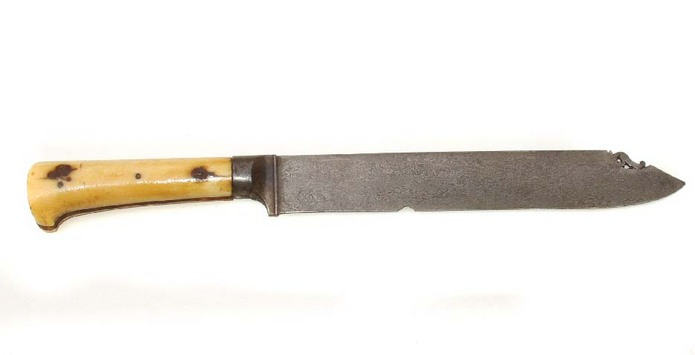 Unusual Persian knife with fine Khora Khorassan black wootz blade and Ivory hilt 19th century