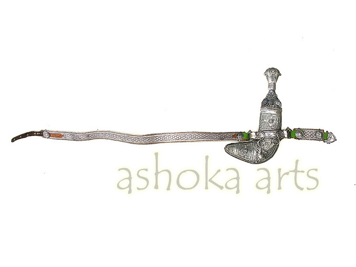 antique Arab Jambiya dagger - www.ashokaarts.com Fine antique oriental arms and armour swords and weapons for sale