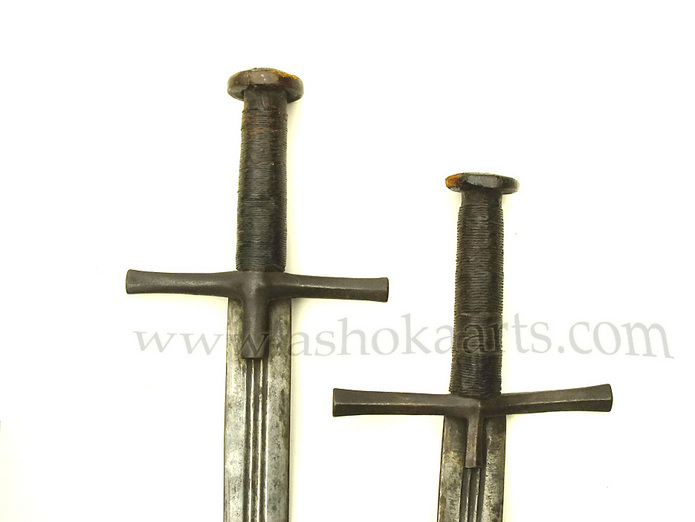 Two Sudanese Kaskara swords with Arabic Calligraphy - www.ashokaarts.com Fine antique oriental arms and armour swords and weapons